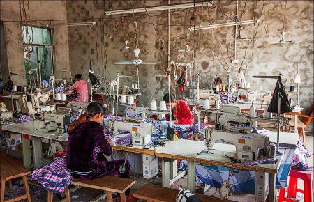 Покупаешь наряды – получаешь чесотку: наряды Ирины Марчук шьют цыганки с кожными заболеваниями